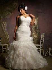 Julietta Style No. 3124 Plus Size wedding dress